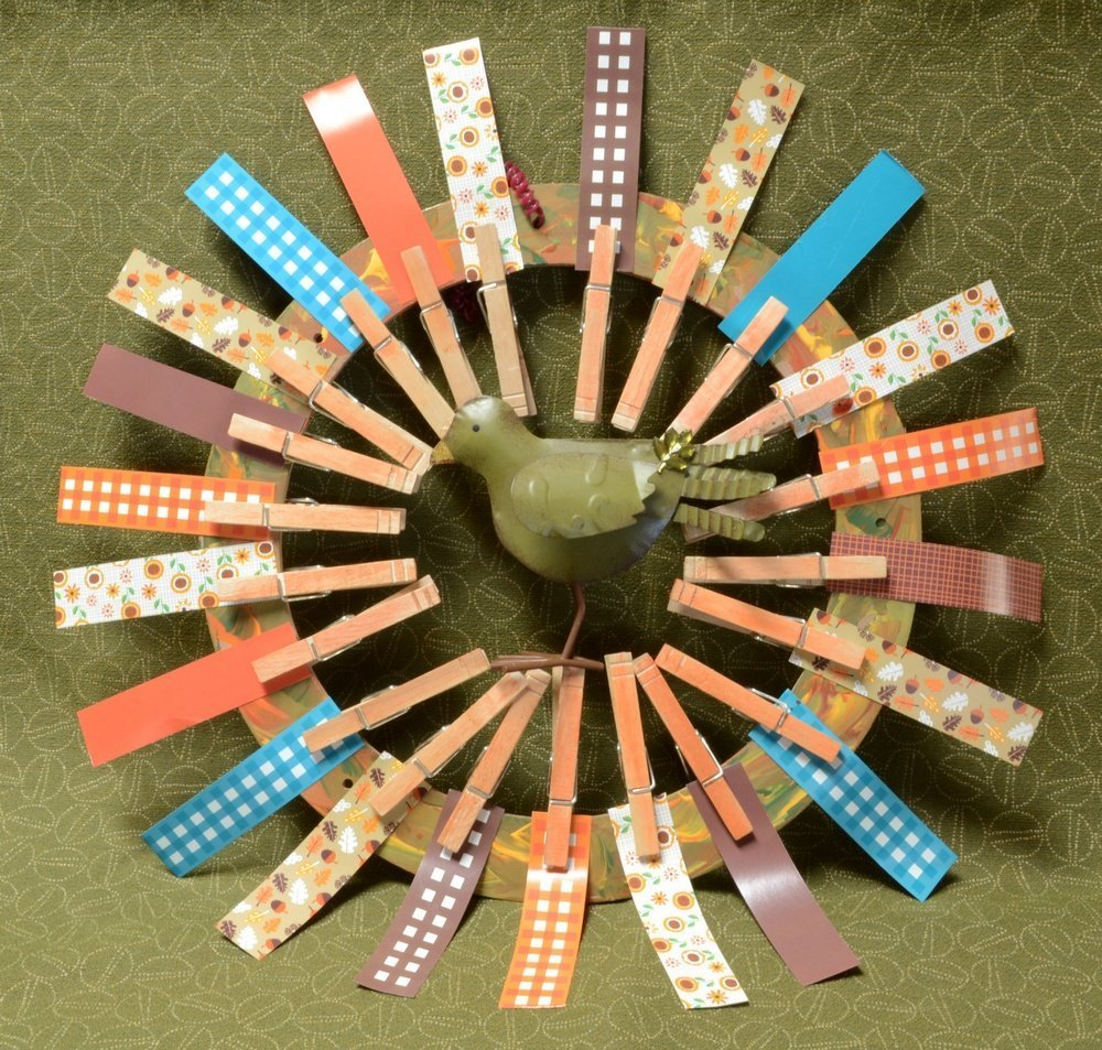 Let all parts dry - Clothespin Wreath - Step 4