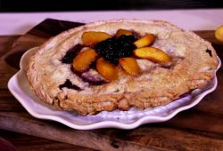 Peach a Berry Pie